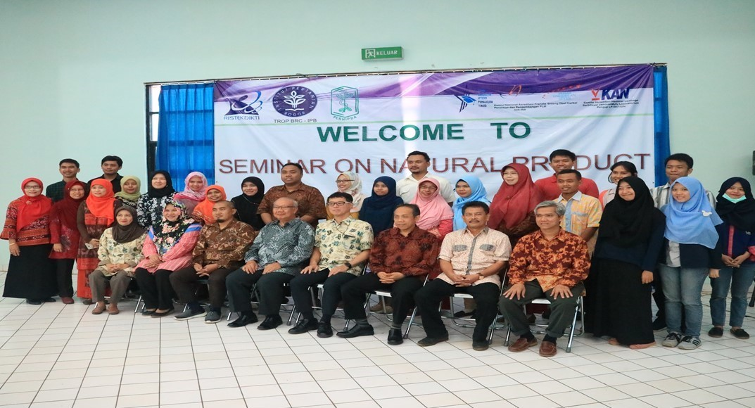 Kolaborasi Seminar On Natural Product di IPB